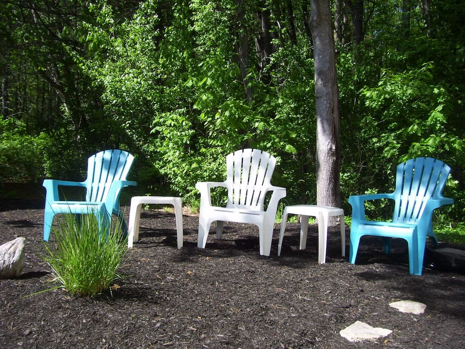 Great outdoor area - the perfect place to relax after a long day at the pool or beach!