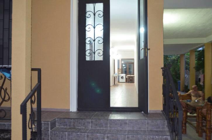Dom v Kobuleti