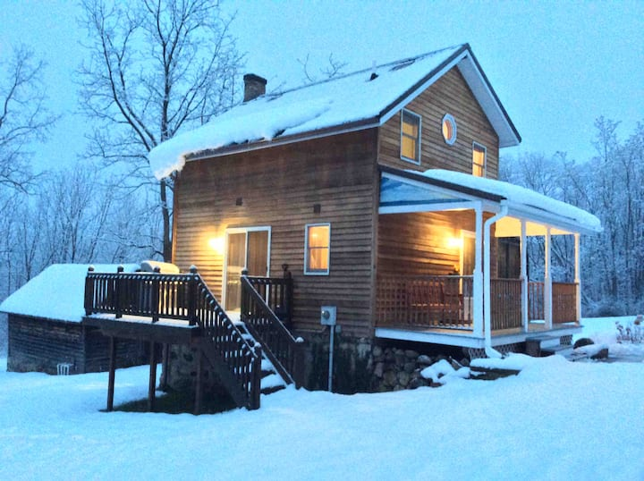 The Little House: Cozy, Winter Getaway