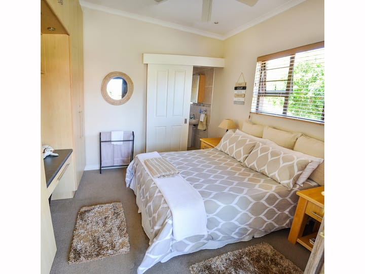 Addo Park River House Rooms - Relaxed