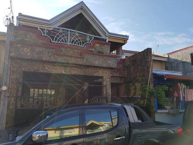 1m4h house