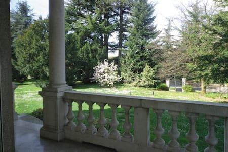 Villa Liberty in Franciacorta - Ome - Leilighet