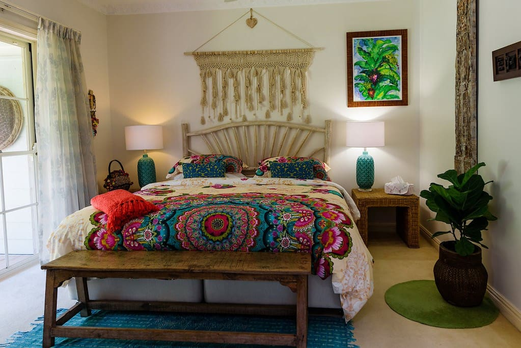 Rosa suite - king size bed and private patio