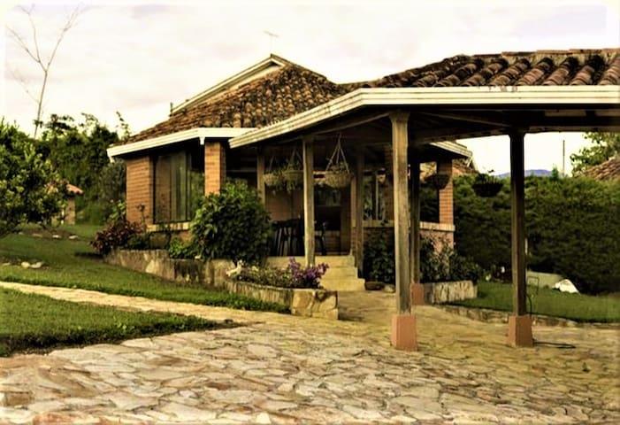 CABAÑA MESA DE LOS SANTOS VILLA RUTH - Los Santos - Houten huisje
