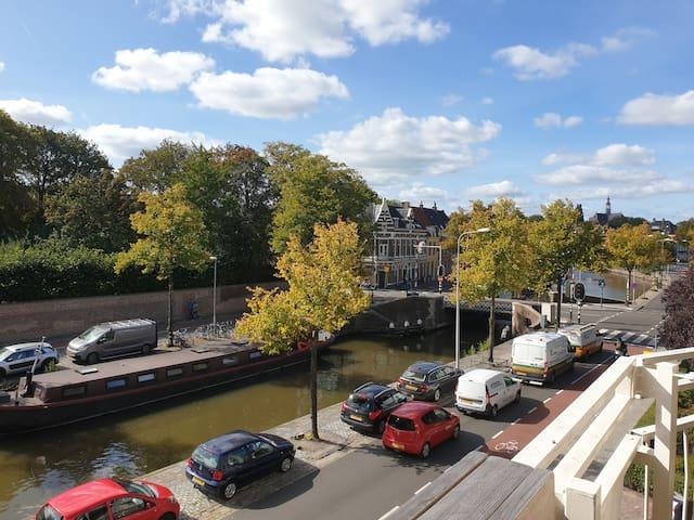 Appartement aan de grachten in hartje Groningen!