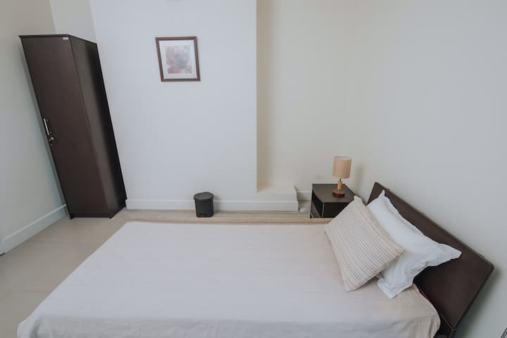 The Camellia - Single bedroom
