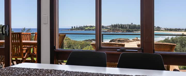 Bermagui Beach House, beachfront & pet friendly!