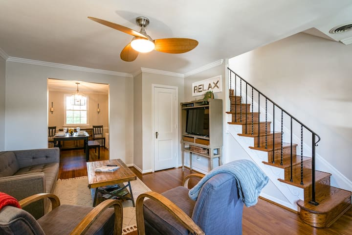 Old Town Home-Away-from-Home, Easy Walk to Metro