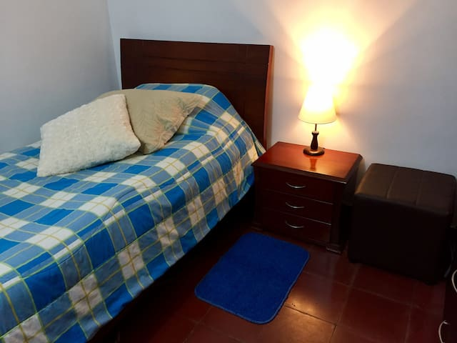 Cheap room Medellin - Bello - Apartamento