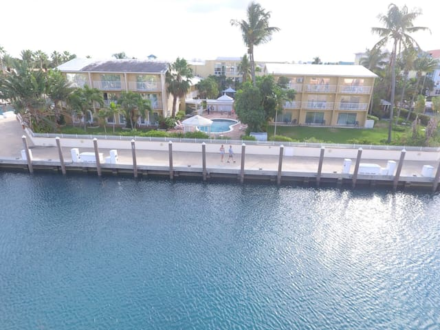 Best Price in Paradise Island - Full apartment