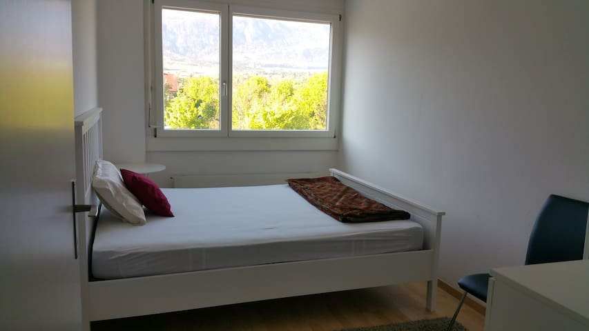Bright and comfortable apartment - Solothurn - Wohnung