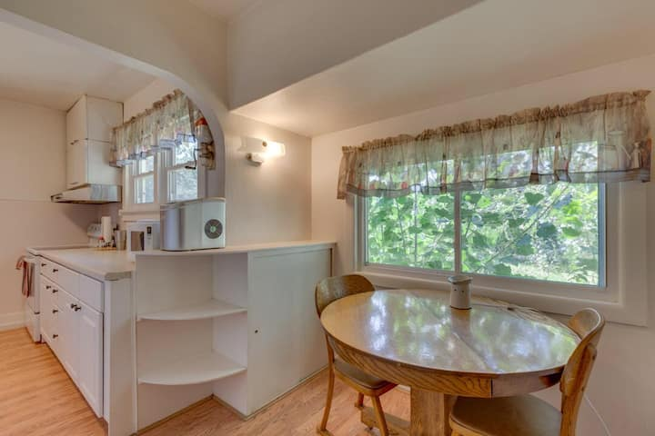 Cute Home in Shady Grove. Perfect for Pets & Kids