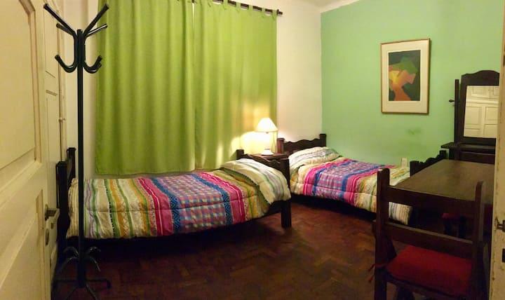 Olegario - Habitación Verde