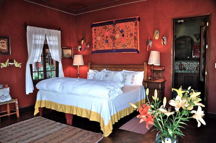 The Colibri Room at Casa de la Cuesta B&B