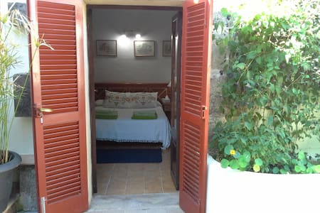 Double Bedroom with ensuit bathroom & pool - Cala Mesquida - Rumah
