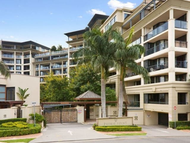 Beautiful Apartment with River View - Fortitude Valley - Apartment