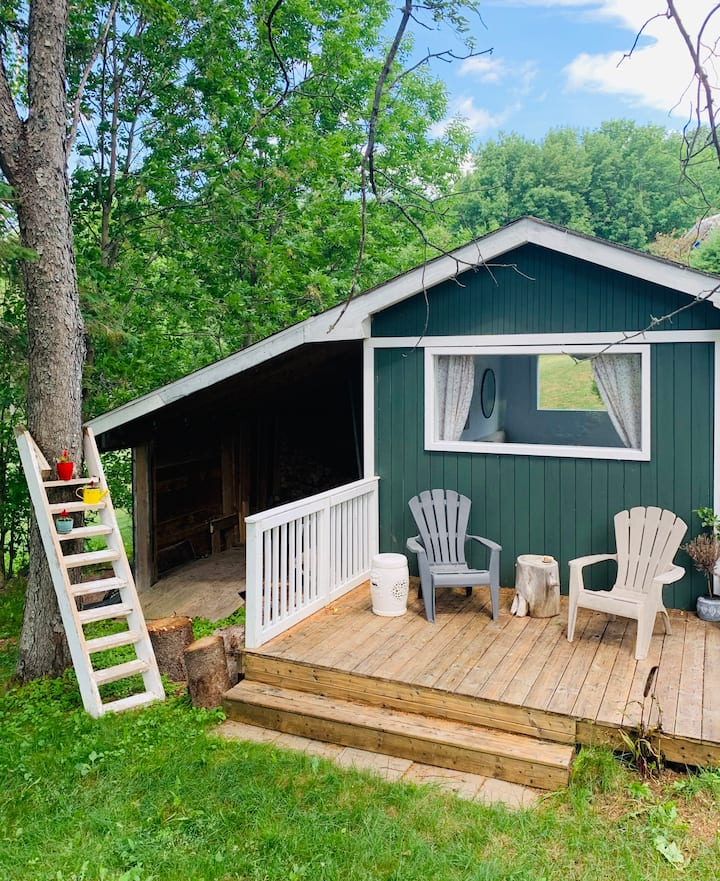 Waterfront Glamping Cabin/Tiny House