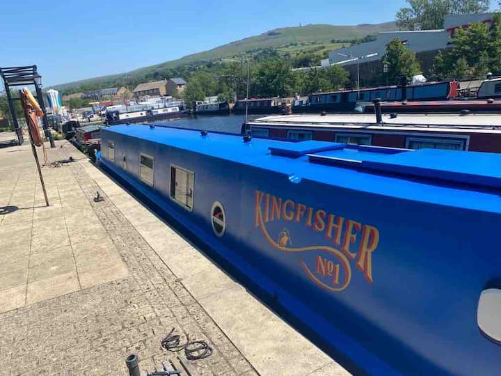 Kingfisher narrow boat
