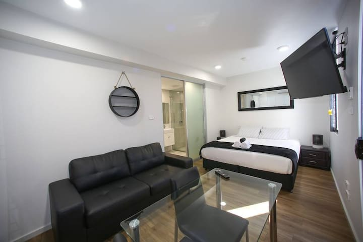 Jesmond Large Studio Apartment