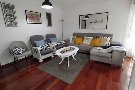 Spacious apartment next to the beaches of Cuchía