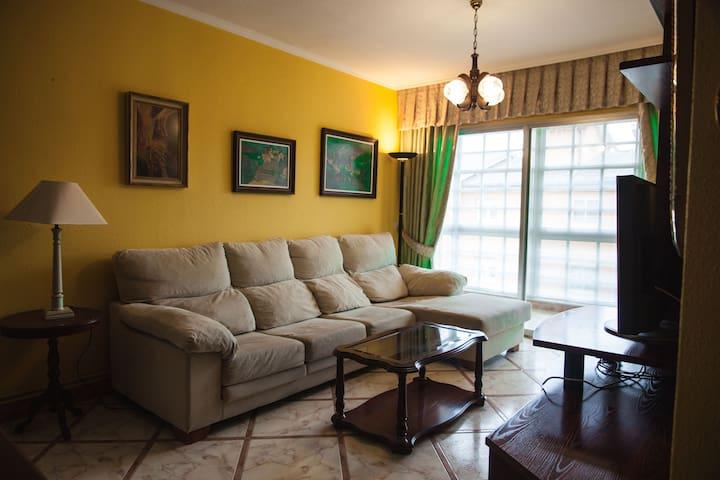 Piso de cuatro habitaciones en Río Covo (Cervo)