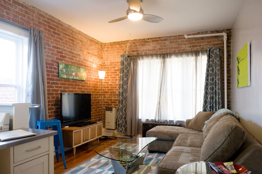 Cozy 1 bedroom unit in hip area apartments for rent in 2 bedroom apartments in dc under 900