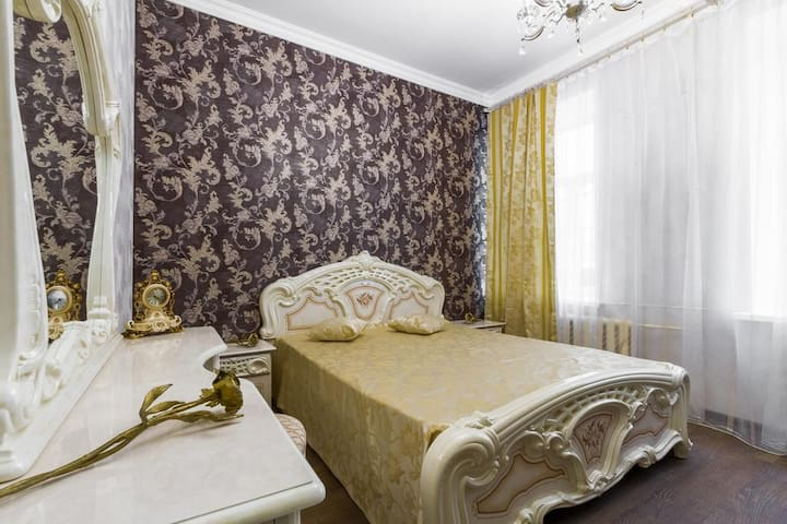 Apart.DeLuxe-Sadovaya st. (Heart of St.Petersburg)