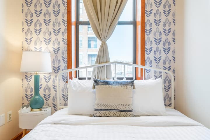 Sosuite | Bright & Trendy 2 Bedroom Apartment | Steps from Center City