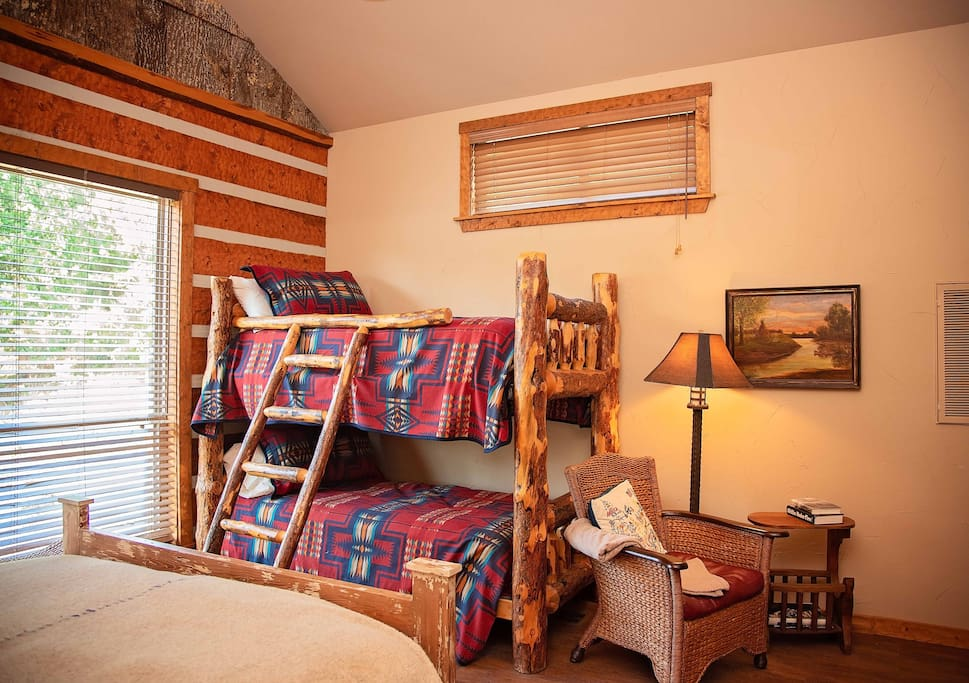 The Ranch at Pine Mountain:  The Lodge, Americana Suite Bunk Beds