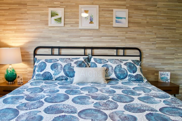 NEW! Modern Beach Glam - Beautiful Kahana Bungalow