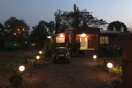 Charming Farm House in Pali,Khopoli