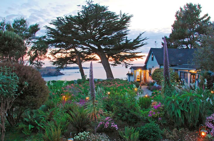The Emerald Cottage - Ocean View Bed & Breakfast