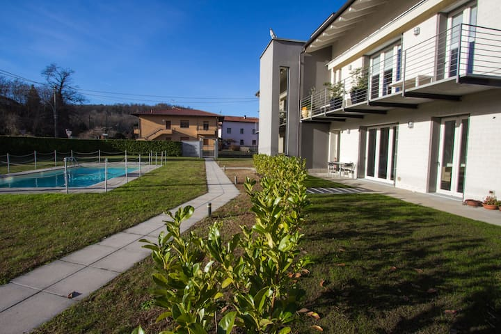 "Boutique apartment with pool ""La dolce vita"" - Leggiuno - Lejlighed"