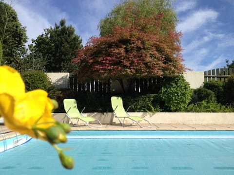 A welcoming gite with pool, Mont Saint Michel area
