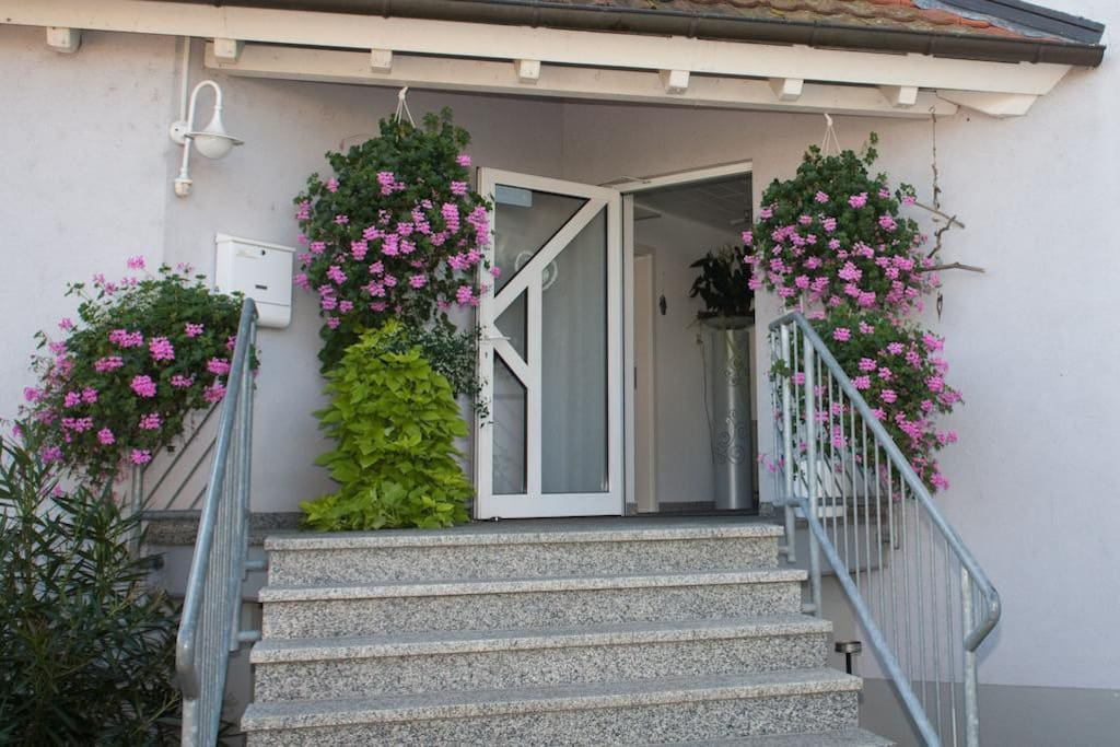 Gästehaus zur offenen Tür - Eingang