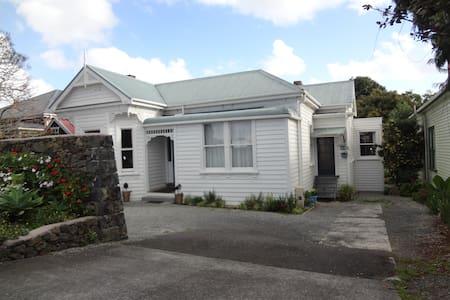 Character villa- front house- Eden park- Kingsland - Auckland - Hus
