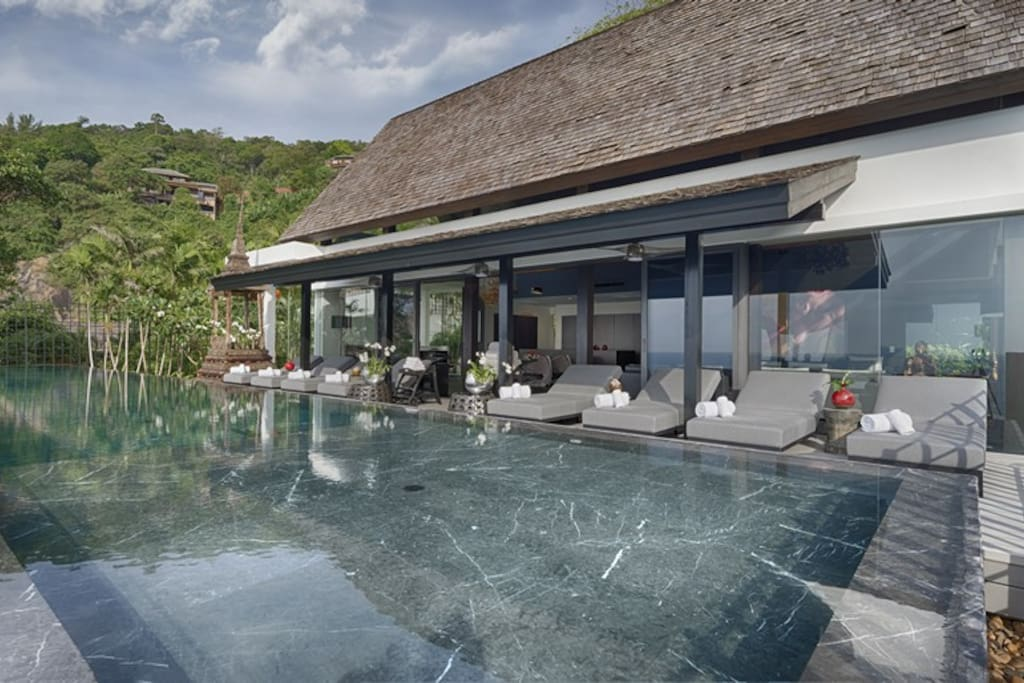 Villa Yin - Pool with Shallow End