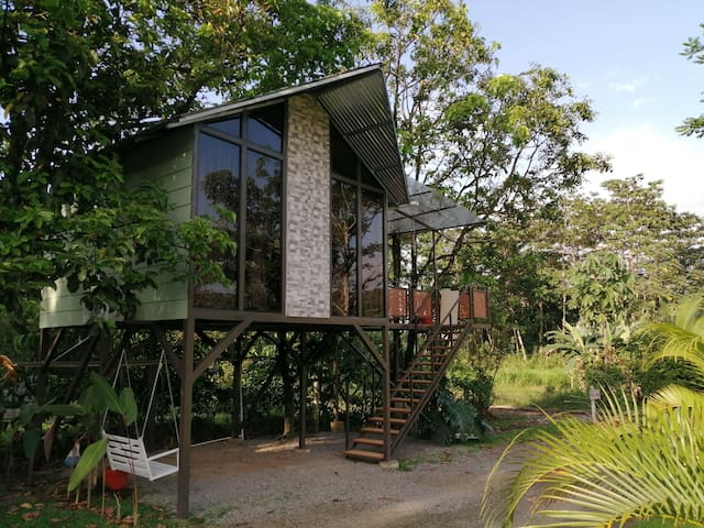 AVOCADO TREEHOUSE VILLA