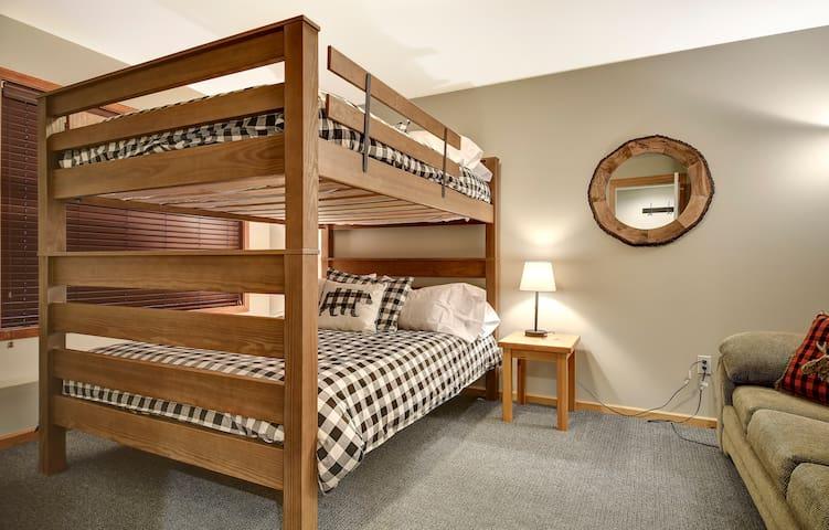 5th bedroom (ground floor)