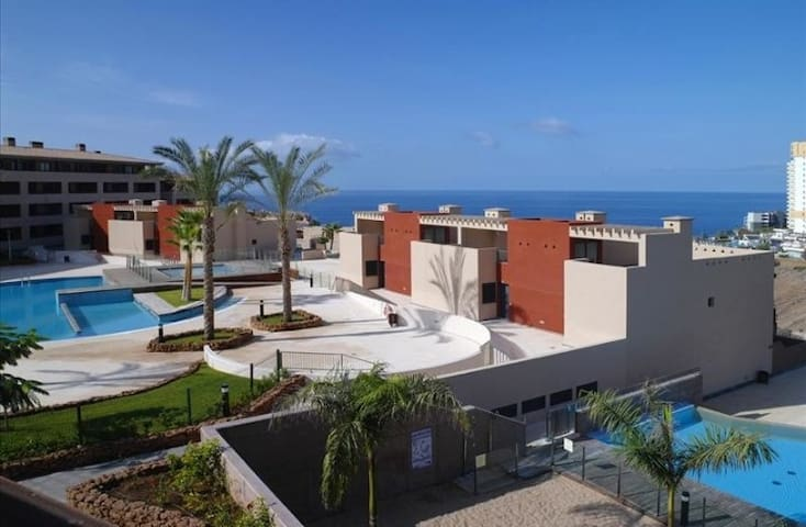 RESIDENCIAL PARAISO 2 WITH OCEAN AND MOUNTAIN VIEW