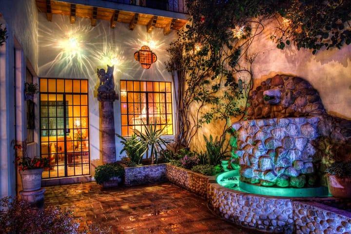 Stunning Views -3 Bed, 3 Bath Art Filled Casa!