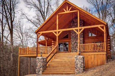 Double Down Lodge - by the Inn & Spa at Cedar Falls