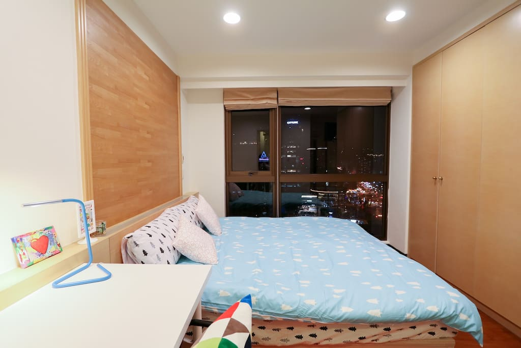 cozy double room with Taipei 101 view
