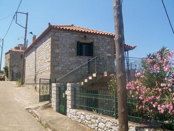 Αλώπηξ- Newly built apartment with stunning view