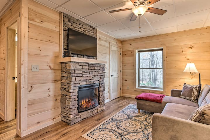 Secluded Cabin w/Mtn Views - 9 Mi To Chimney Rock!