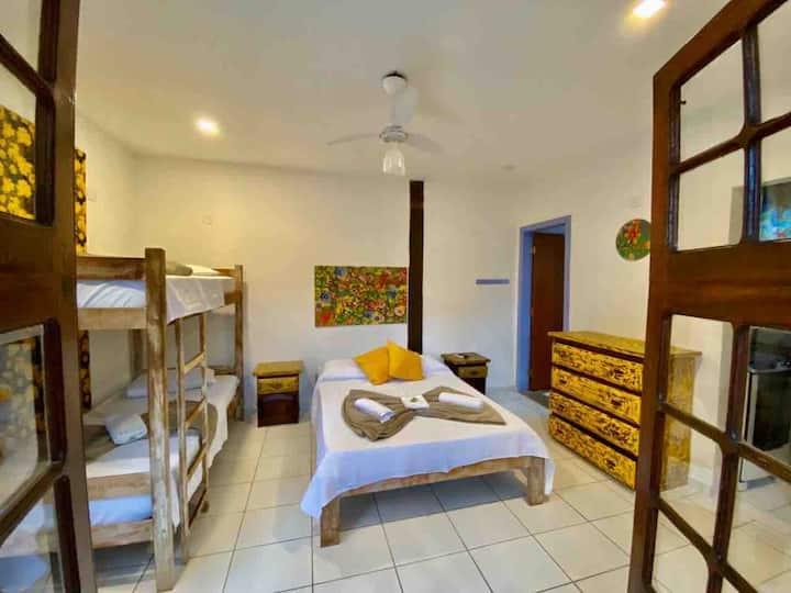 Apartamento C/ Cozinha e Terraço