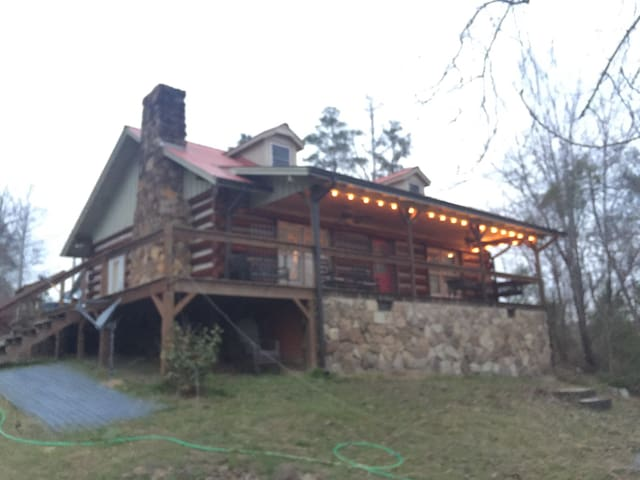Cozy Log Home on Lewis Smith Lake - Crane Hill - Talo