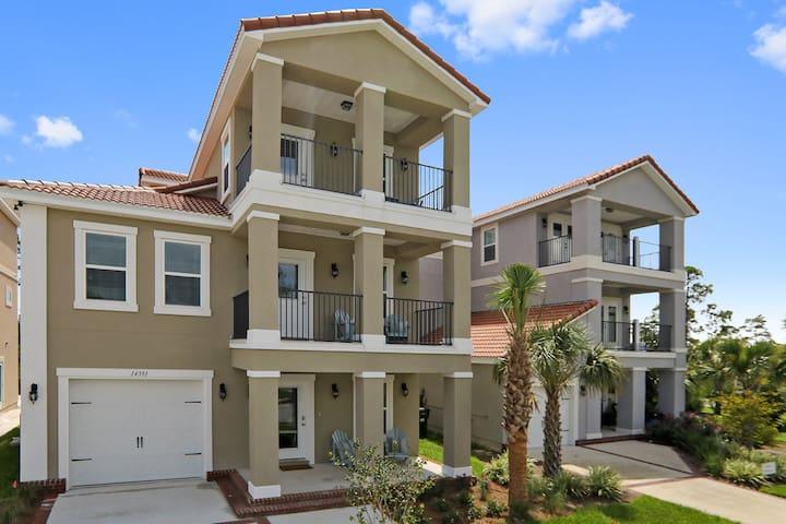 Brand new 3 story home w/ elevator close to beach