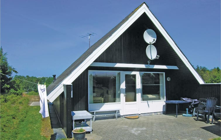 Holiday cottage with 2 bedrooms on 46m² in Glesborg