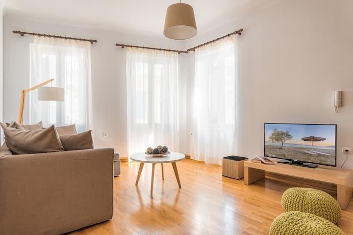 Villa Porto- Naftilos Residences